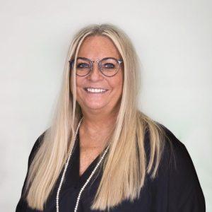 Petra Anschütz-Schmidt, Augenoptikerin